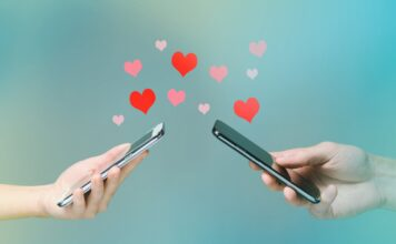 How does online dating work?
