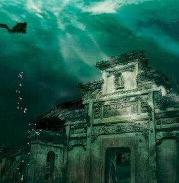 Ship and ancient cemetery found in the sunken city of Heraklion